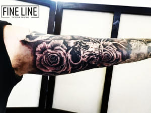 Sleeve roses and skull